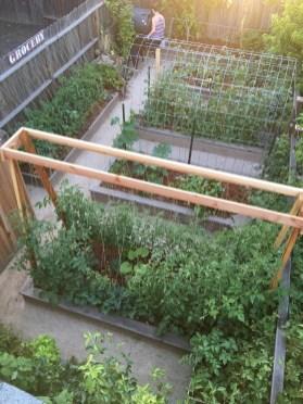 Brilliant Vertical Gardening Ideas32