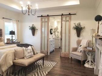 Elegant Antique Farmhouse Decoration Ideas For Home09