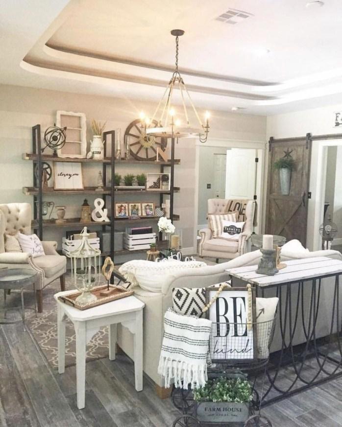 Elegant Antique Farmhouse Decoration Ideas For Home13