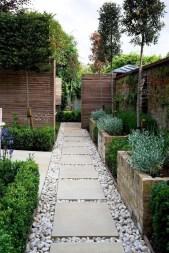 Magnificient Gravel Landscaping Design Ideas For Backyard05