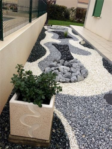Magnificient Gravel Landscaping Design Ideas For Backyard06