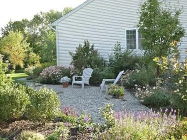 Magnificient Gravel Landscaping Design Ideas For Backyard47