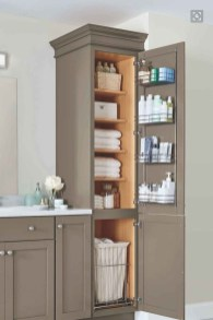 Outstanding Bathroom Makeovers Ideas For Small Space13