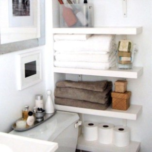 Outstanding Bathroom Makeovers Ideas For Small Space18