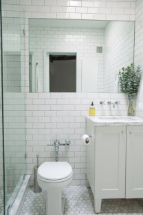 Outstanding Bathroom Makeovers Ideas For Small Space29