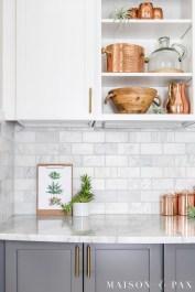 Popular Farmhouse Kitchen Art Ideas To Scale Up Your Kitchen14