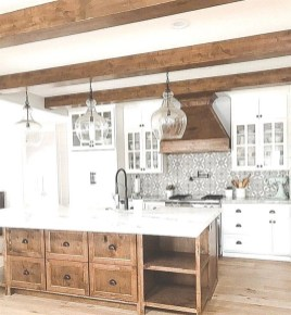 Popular Farmhouse Kitchen Art Ideas To Scale Up Your Kitchen19