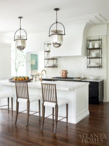 Popular Farmhouse Kitchen Art Ideas To Scale Up Your Kitchen23