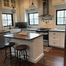 Popular Farmhouse Kitchen Art Ideas To Scale Up Your Kitchen30