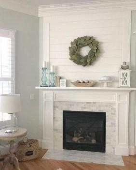 Unique Farmhouse Fireplace Design Ideas For Living Room18