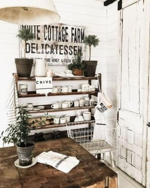 Unique Summer Decor Ideas For Living Room24