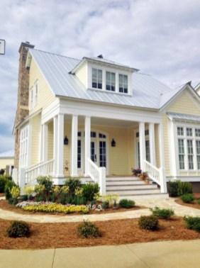 Wonderful Beach House Exterior Color Ideas18