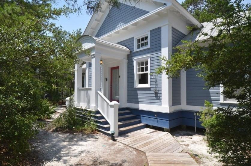 Wonderful Beach House Exterior Color Ideas40