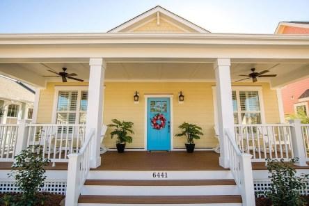 Wonderful Beach House Exterior Color Ideas46