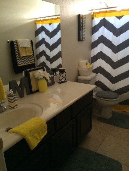 Wonderful Yellow And White Bathroom Ideas10