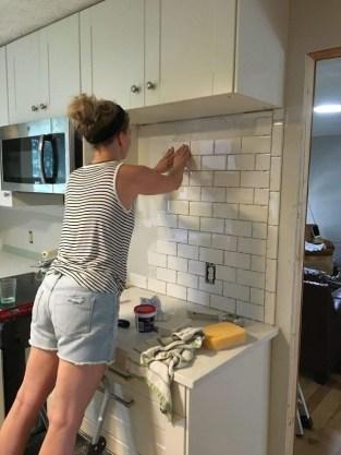 Gorgeous Kitchen Backsplash Design Ideas34