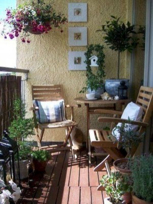 Inexpensive Apartment Patio Ideas On A Budget18
