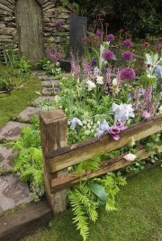 Pretty Floral Garden Decor Ideas04