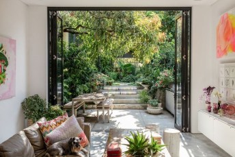 Extraordinary Summer Garden Ideas Just For You 40