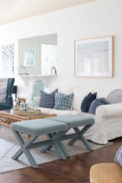 Inspiring Living Room Ideas With Beachy And Coastal Style31