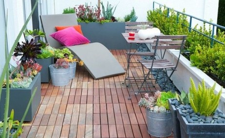 Inspiring Wooden Floor Design Ideas On Balcony For Your Apartment 08