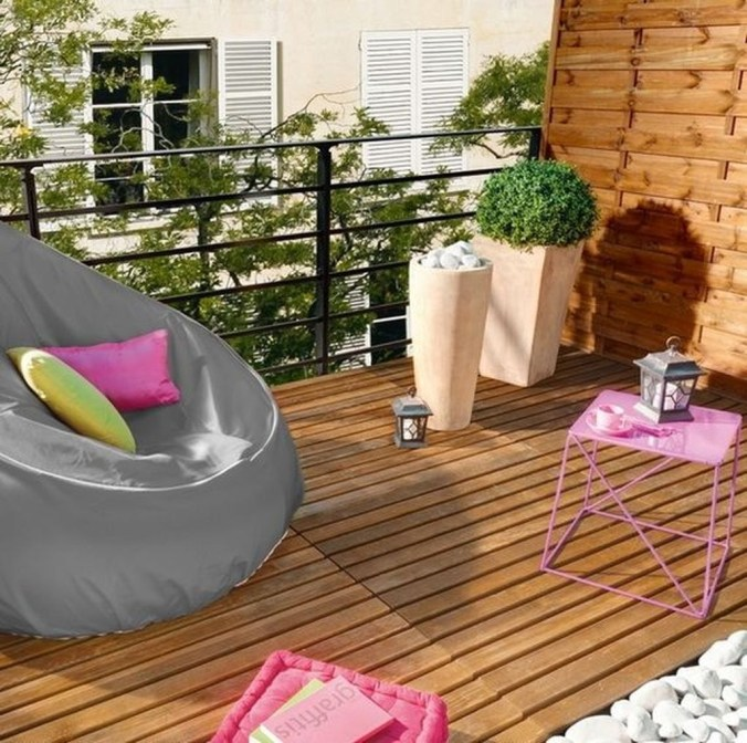Inspiring Wooden Floor Design Ideas On Balcony For Your Apartment 10