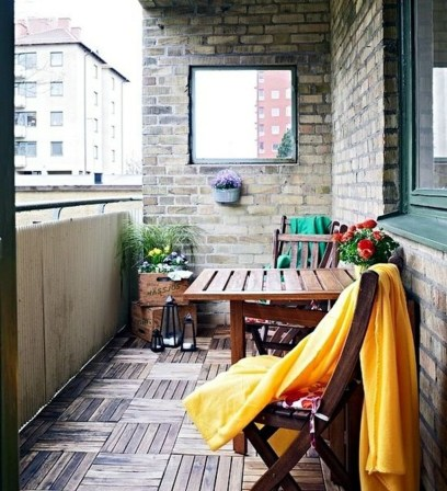 Inspiring Wooden Floor Design Ideas On Balcony For Your Apartment 37