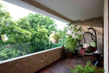 Inspiring Wooden Floor Design Ideas On Balcony For Your Apartment 47