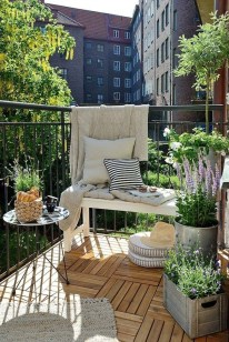 Inspiring Wooden Floor Design Ideas On Balcony For Your Apartment 49