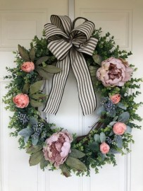 Pretty Hang Wreath Ideas In Door For Summer Time 04
