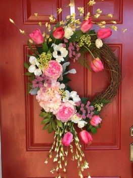 Pretty Hang Wreath Ideas In Door For Summer Time 25