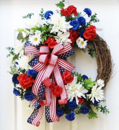 Pretty Hang Wreath Ideas In Door For Summer Time 46
