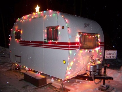 Splendid Christmas Rv Decorations Ideas For Valuable Moment03