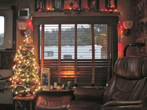 Splendid Christmas Rv Decorations Ideas For Valuable Moment04