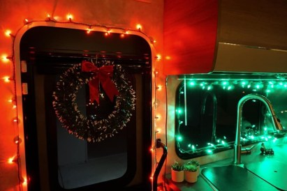 Splendid Christmas Rv Decorations Ideas For Valuable Moment36