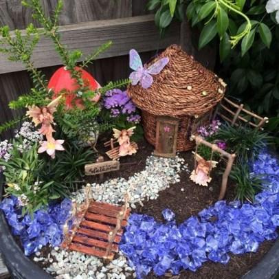 Stytlish Miniature Fairy Garden Ideas29