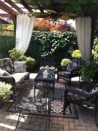 Wonderful Backyard Decorating Ideas On A Budget 33