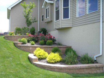 Amazing Front Yard Landscaping Ideas With Low Maintenance To Try25
