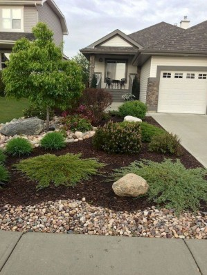 Amazing Front Yard Landscaping Ideas With Low Maintenance To Try32