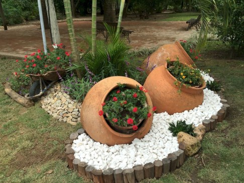 Awesome Front Yard Landscaping Ideas For Your Home This Year10