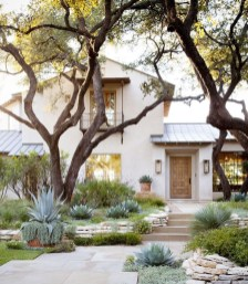 Awesome Front Yard Landscaping Ideas For Your Home This Year37