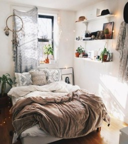 Glamour Small Bedroom Organizing Ideas You Must Try01