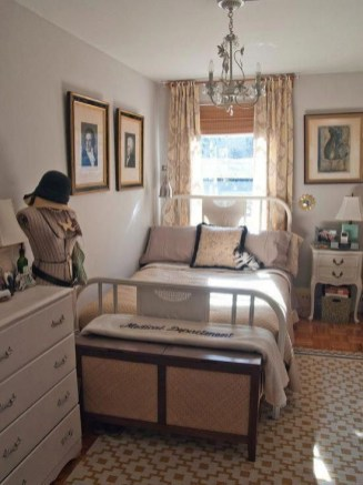 Glamour Small Bedroom Organizing Ideas You Must Try33