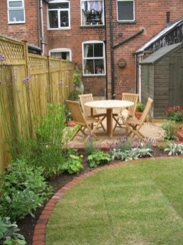 Modern Small Garden Design Ideas That Is Still Beautiful To See33