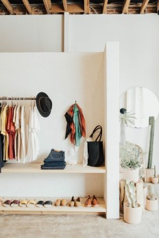 Best Minimalist Walk Closets Design Ideas For You12