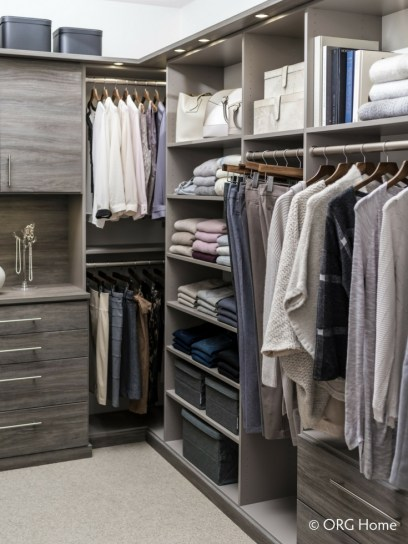 Best Minimalist Walk Closets Design Ideas For You38