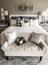 Magnificient Farmhouse Bedroom Decor Ideas To Try Now14