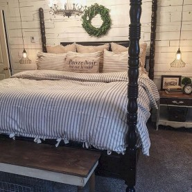 Magnificient Farmhouse Bedroom Decor Ideas To Try Now39