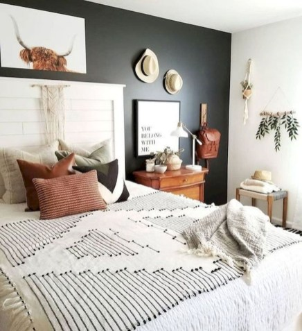 Magnificient Farmhouse Bedroom Decor Ideas To Try Now48