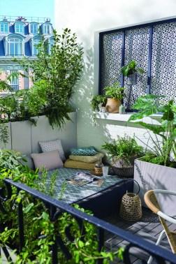 Popular Small Apartment Balcony Decor Ideas For You18